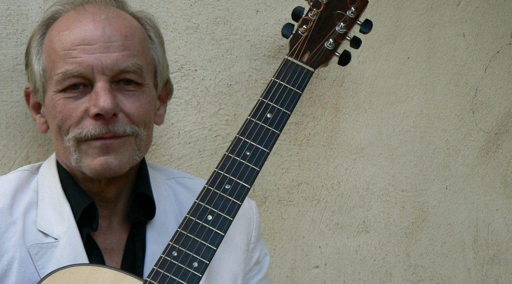 Wolfgang mit seiner Gitarre